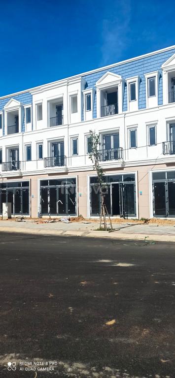Bán shophouse TP.Quảng Ngãi diện tích 214m2