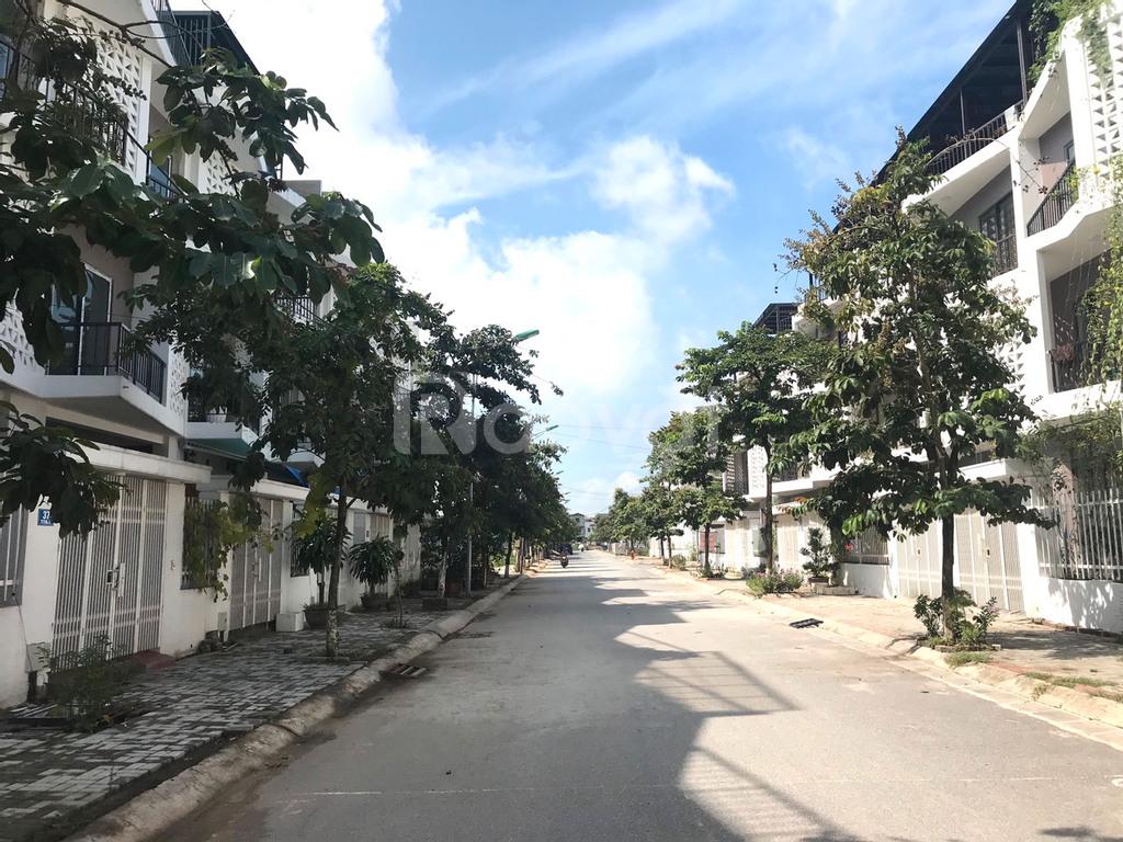 Chính chủ bán liền kề Nam 32, DT 85m2, đông nam, gần trường học