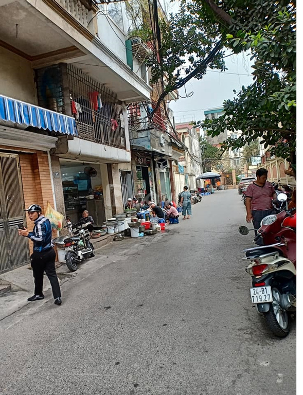 Trung tâm Đống Đa, Nguyễn Lương Bằng, nhà nở hậu, ôtô tránh