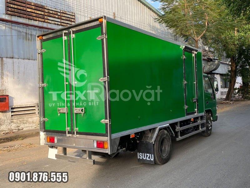 Xe tải Isuzu QKR270 2.9 tấn thùng bảo ôn ngân hàng hỗ trợ vay cao
