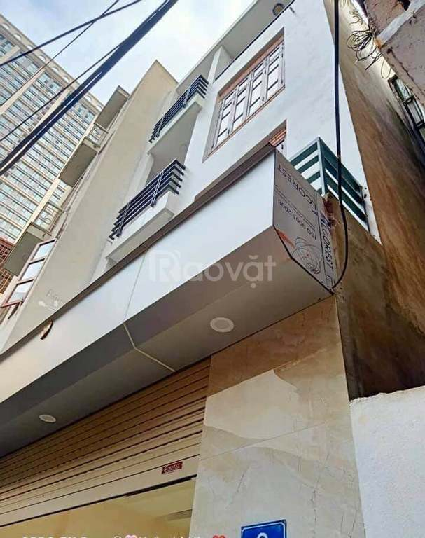 Cắt lỗ 300 triệu bán gấp căn nhà Đào Tấn TT Ba Đình 40m, 3 tầng, 2PN