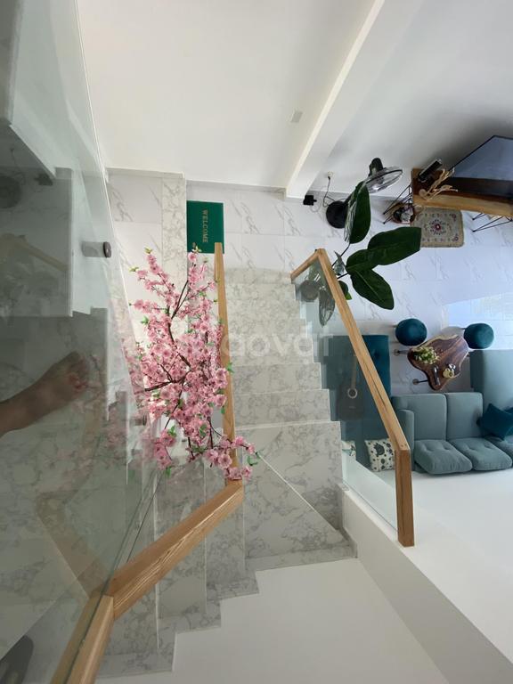 Mẫu nhà ống hiện đại, 1 trệt, 1 lầu, 3 phòng ngủ