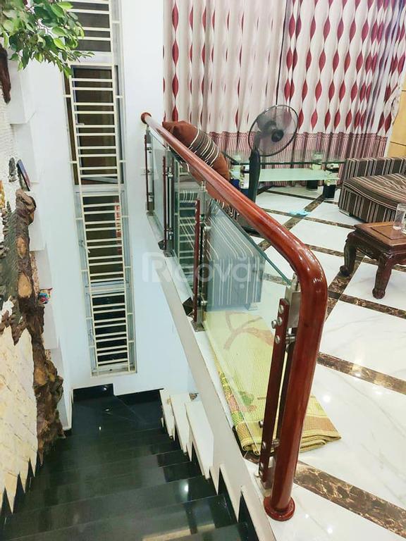 Nhà Ngọc Thụy 4 tầng, mt 4.2m, ở luôn