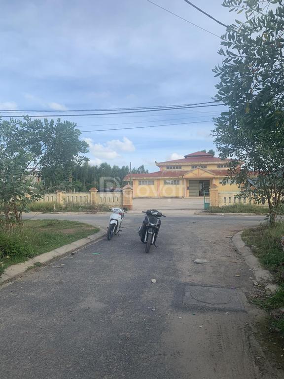 Bán lô đất gần chợ Đức Ninh