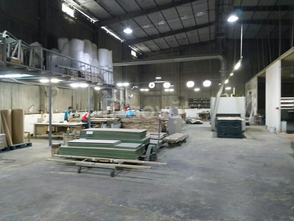 Cho thuê nhà xưởng 3.000m2, container 24h, giáp Nguyễn Văn Quá, QL 1A