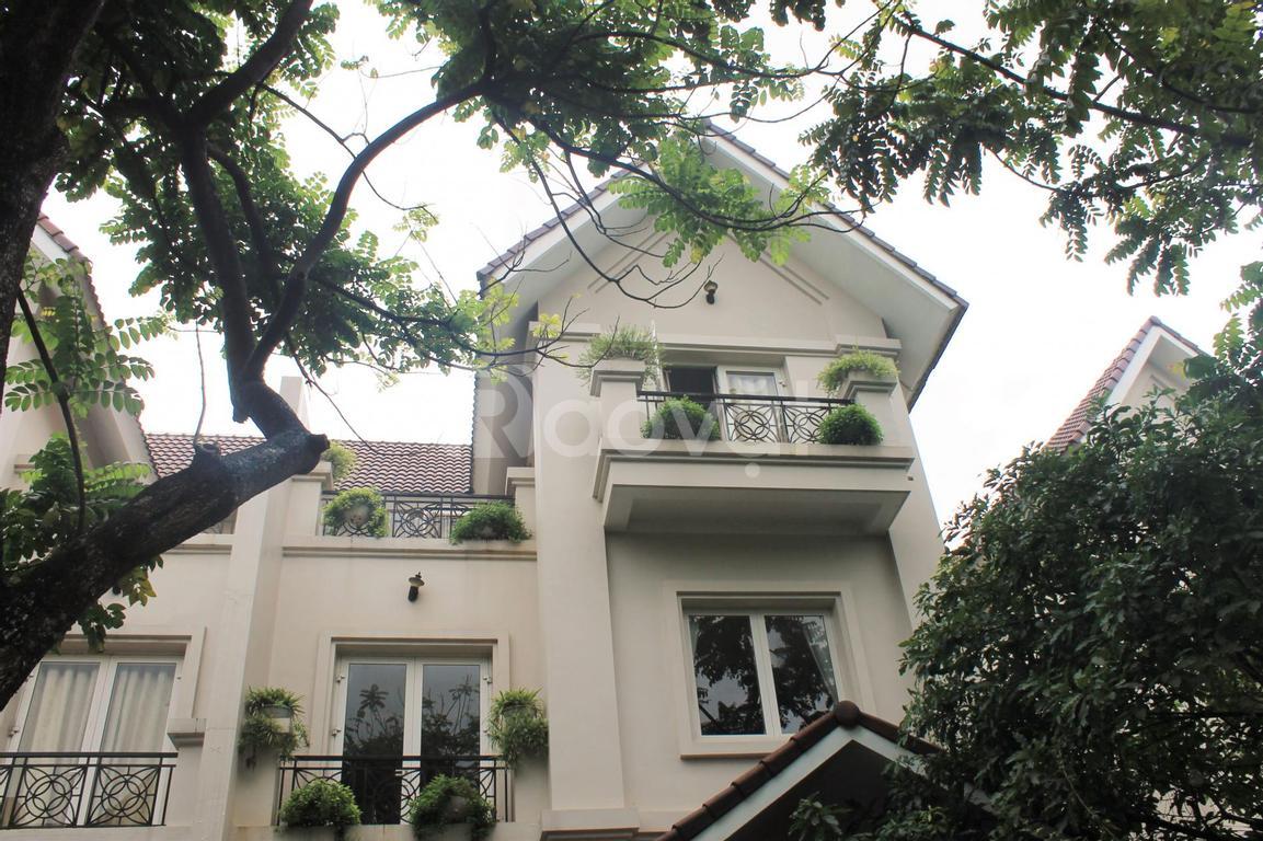 Cho thuê biệt thự hoàn thiện không đồ tại Vinhomes Riverside