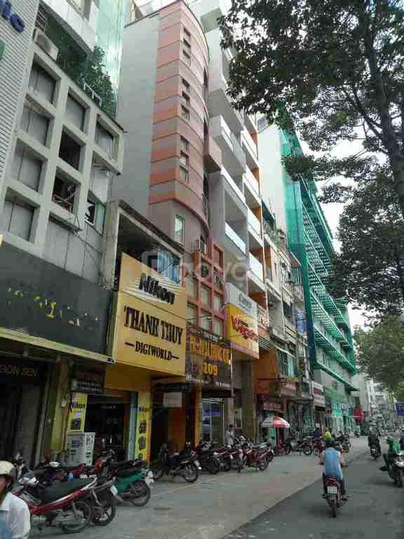 Nhà 2MT Trần Hưng Đạo và Cống Quỳnh, DT 4.2x23, 5 tầng