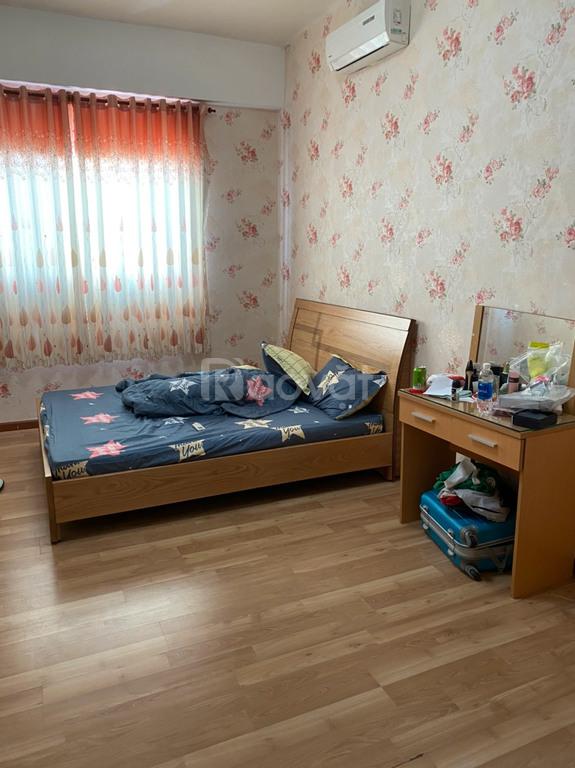 Cho thuê chung cư V-Star 2 phòng ngủ, đầy đủ nội thất tầng 10