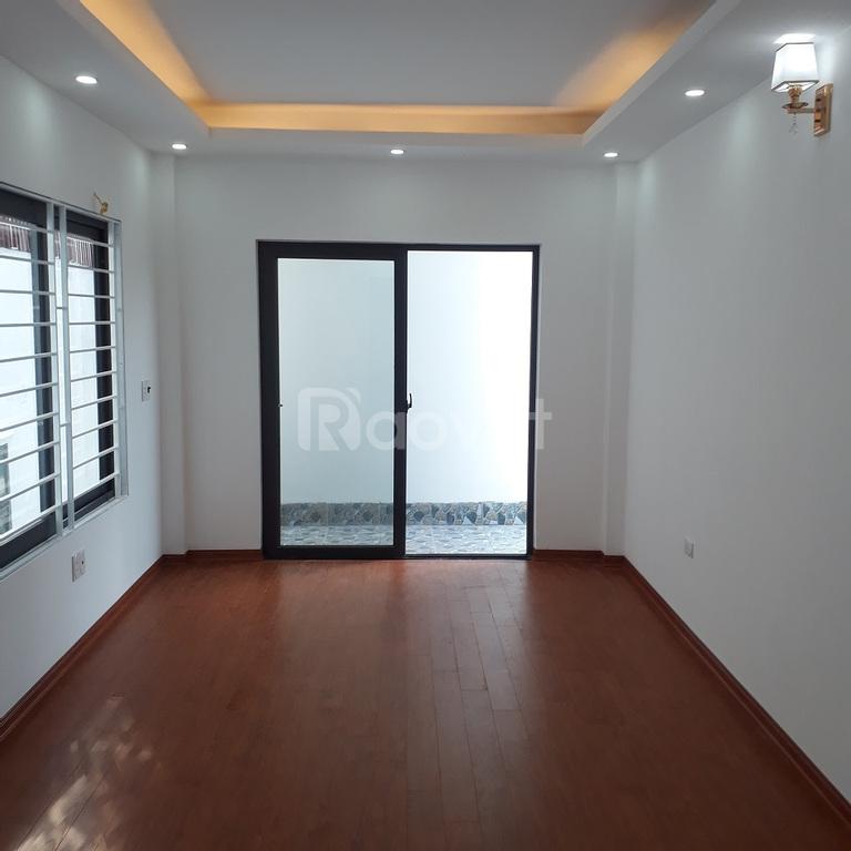 Bán nhà tổ Trường Lấm Việt Hưng, xây mới 5 tầng