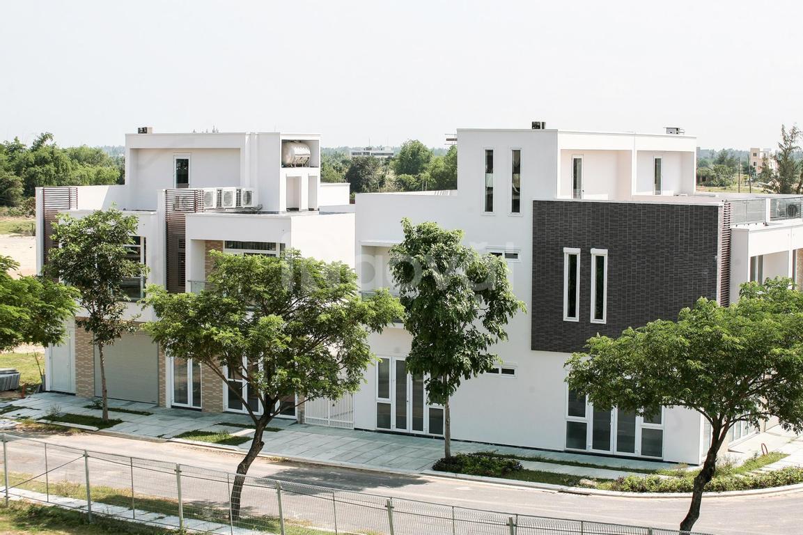 Bán lô đất V1 xây biệt thự FPT 7.5mx24m, hướng Nam, cạnh Đại học FPT