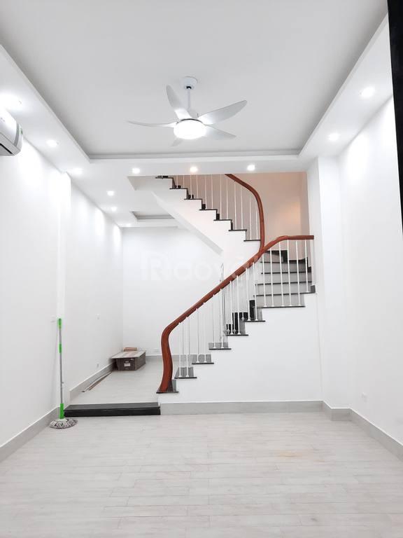 Bán nhà Phố Lê Trọng Tấn , thông ra nhiều phố, 34m2