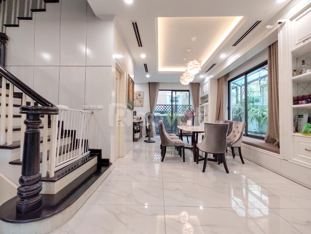 Bán biệt thự song lập hoàn thiện đẹp tại Vinhomes Riverside, Long Biên