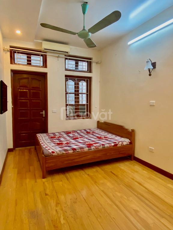 Cho thuê nhà nguyên căn, nội thất cơ bản, ngõ 86 Hào Nam