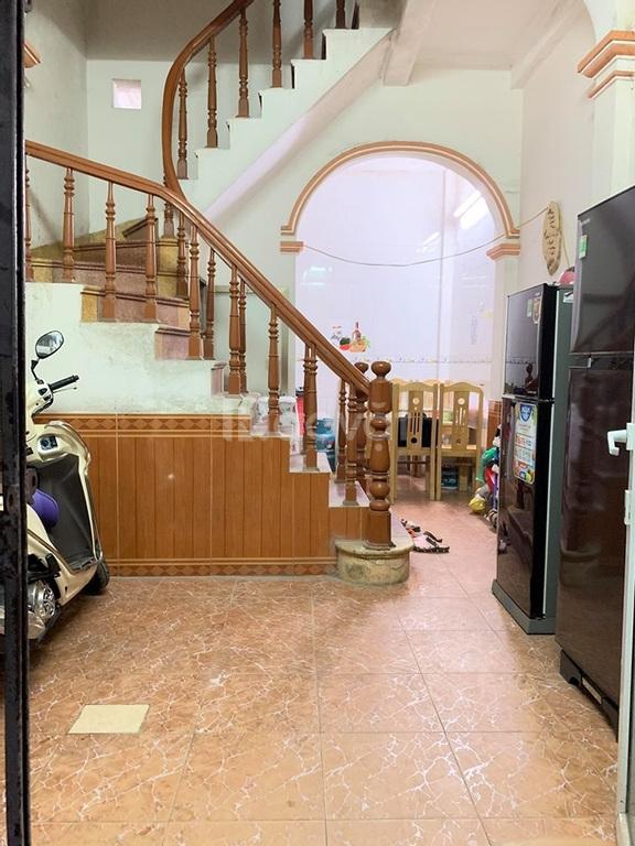 Nhà Chính Kinh 4 tầng, 4 phòng ngủ, ba gác đỗ cửa, nhà đẹp, ở luôn