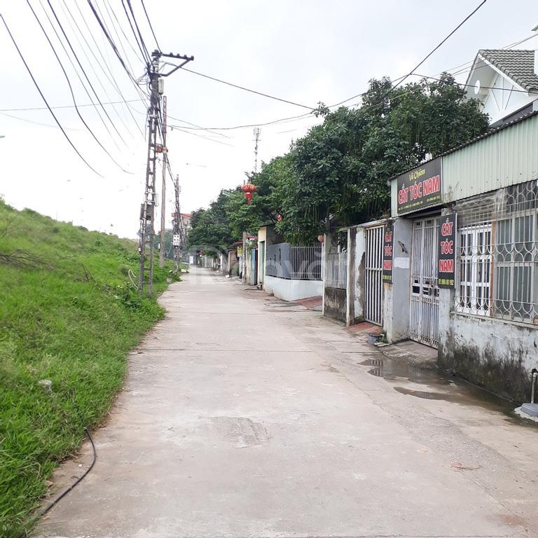 Bán đất giá rẻ tổ 1 Phúc Lợi, 45,6m2, đông nam, MT 4,6m, ô tô đỗ cổng