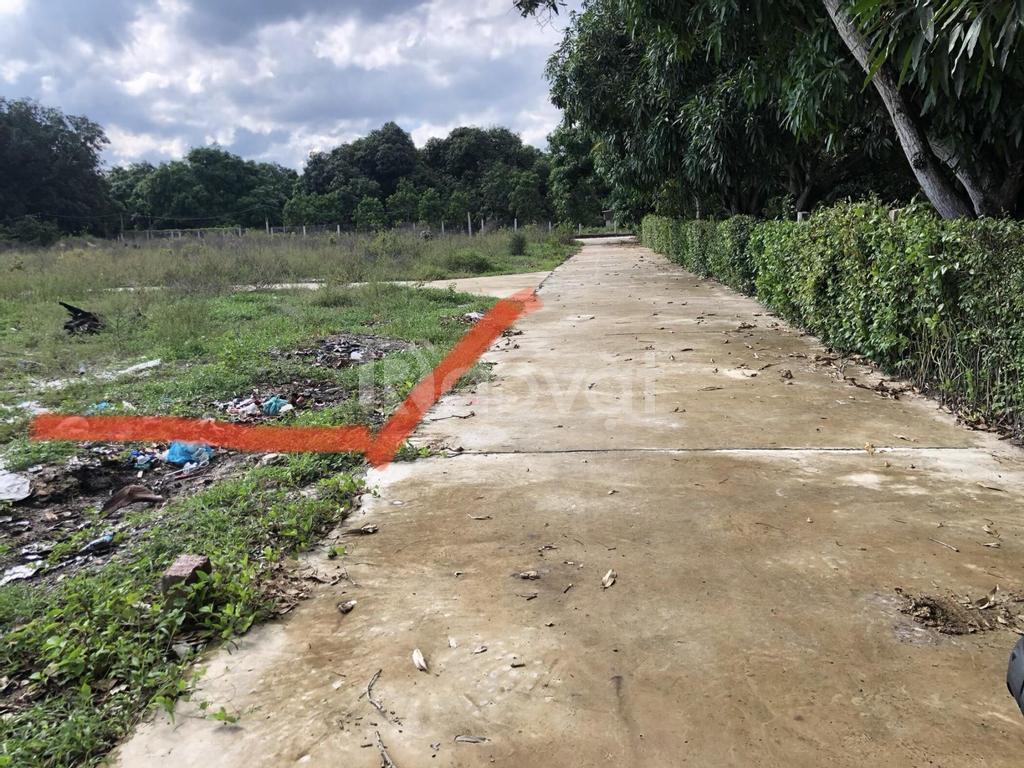 Bán đất huyện Cam Lâm, cách Đầm Thủy Triều 300m, thích hợp đầu tư