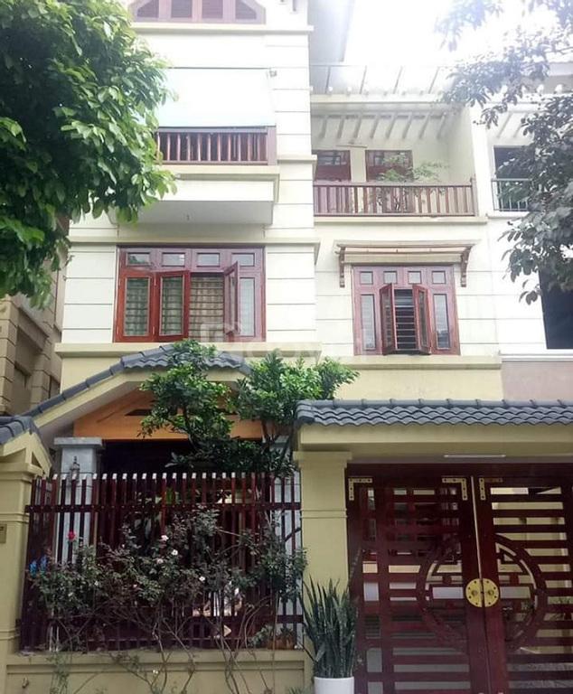 Đất vàng Ba Đình, 200 m2, ô tô vào nhà, biệt thự sân vườn