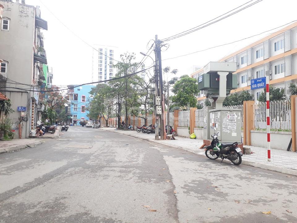 Bán đất Gia Quất 34.5 m2, hướng nam ngõ nông, gần đường ô tô
