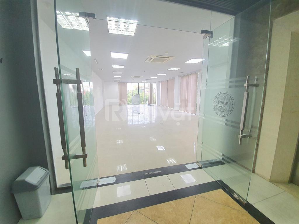 Cho thuê văn phòng 80m2 view hồ tại Chùa Láng, Đống Đa, HN