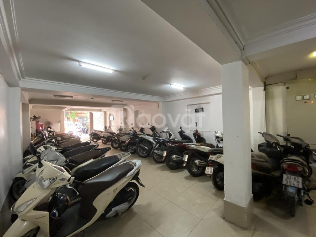 Chính chủ cho thuê văn phòng 45m2 gần hồ Trúc Bạch, Ba Đình