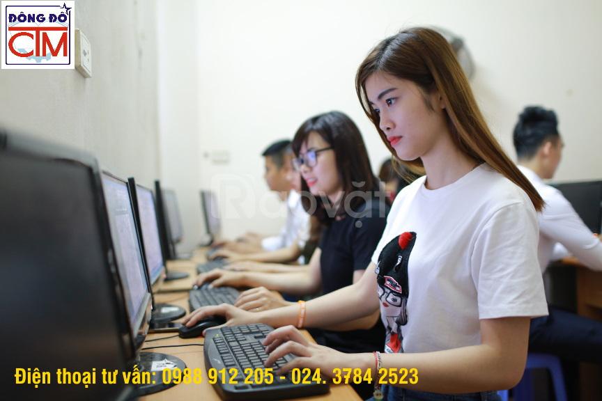 Mở lớp Trung cấp Công nghệ thông tin cấp tốc cho người đi làm