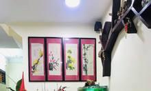 Nhà Hào Nam đẹp ở luôn, thông 3 gác, dân trí cao