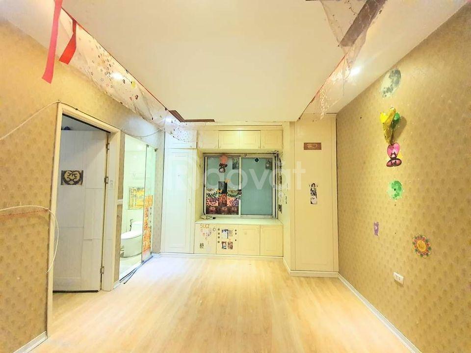 Bán gấp nhà Trương Định 33m, 5 tầng