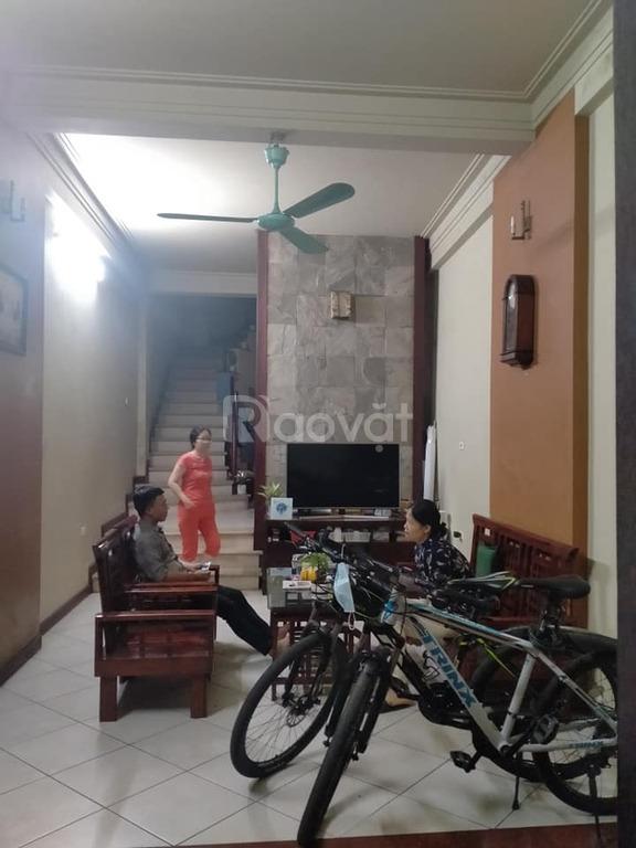 Bán nhà đẹp sổ vuông vức Hoàng Quốc Việt, 100m2