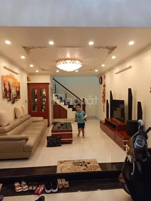Bán nhà phân lô 5 tầng, ngõ rộng thoáng phố Phạm Văn Đồng