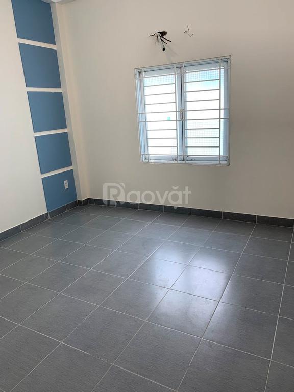 Cho thuê nhà NC, 3PN, đường Nguyễn Thái Sơn, DT 5.5x20m