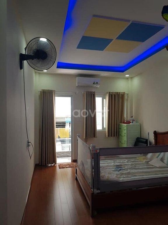 Bán nhà Nguyễn Đình Chiểu, phường 5, Q3, DT 40m2