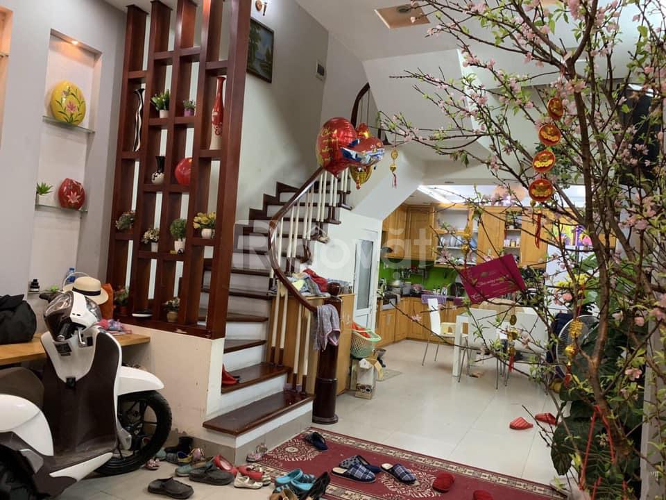 Bán nhà đẹp ô tô cách 15m, phố Phùng Chí Kiên 45m
