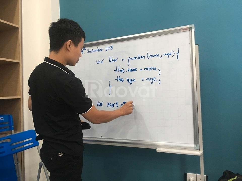 HVCG tuyển lớp IT front-end, tester Offline/Online