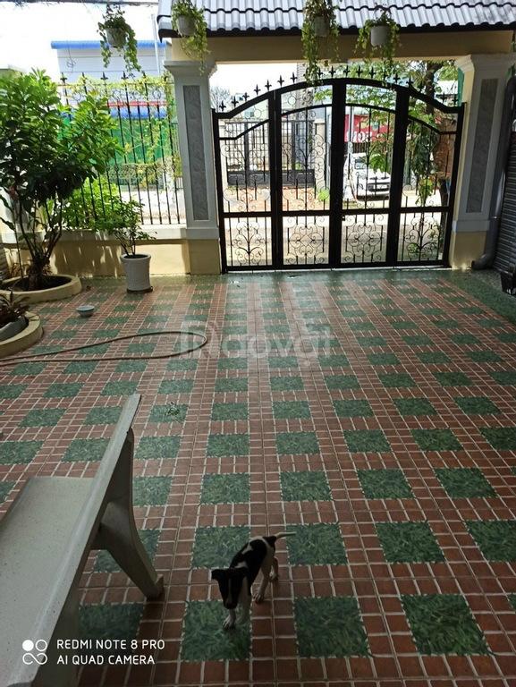 Bán nhà 1 trệt 1 lầu mặt tiền Bình Nhâm 19, Thuận An, gần nhà Việt Trinh