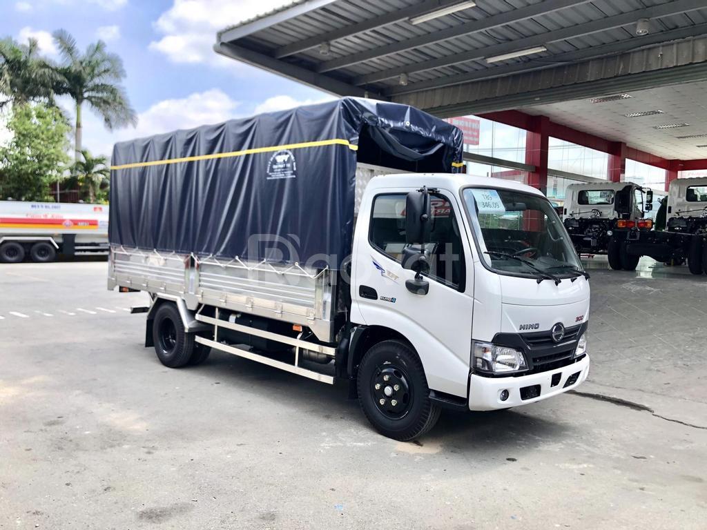 Xe Hino chạy trong TP. 1,9tấn, thùng 4m5. 2020, giá tốt