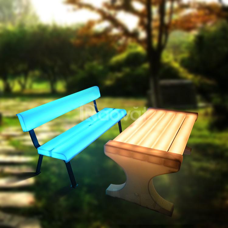Bàn ghế công viên dạng led đẹp lạ