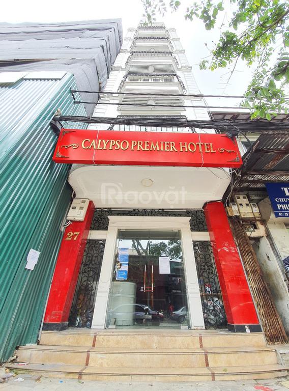 Cho thuê nhà mặt phố cổ Hoàn Kiếm, Hà Nội, DT 136m2 xây 7 tầng