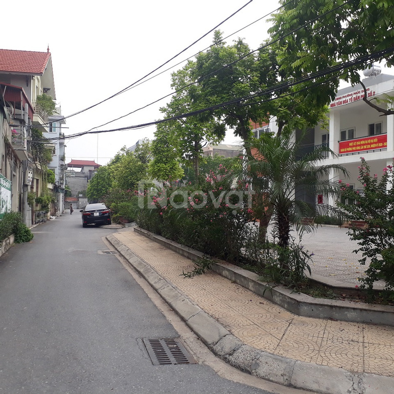 Bán đất tổ 2 Phúc Đồng, cách 50m ra Nguyễn Lam, DT 79m2, ngõ ôtô 4m