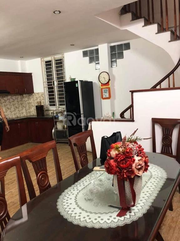 Chủ nhà đi nước ngoài cần bán gấp nhà Ngọc Thụy, Long Biên
