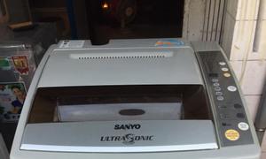 Máy giặt Sanyo Aqua 9 kg, máy giống như hình