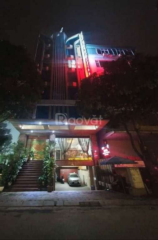 Bán nhà mặt phố Khúc Thừa Dụ 135m, 9T, MT 9m, sổ vuông vức