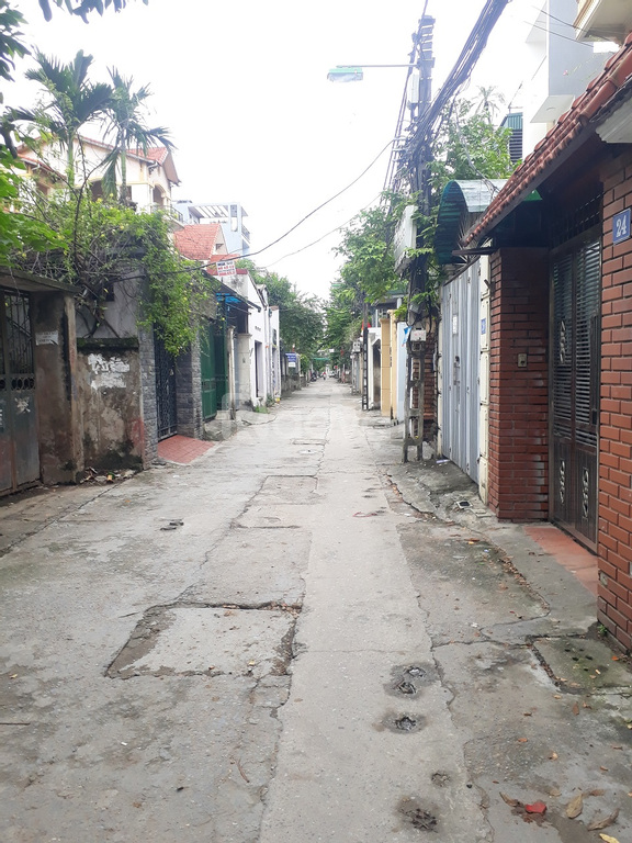 Bán đất ngõ 66 Ngọc Thụy 90m2 hai mặt thoáng, hướng Đông Nam, ngõ 3m