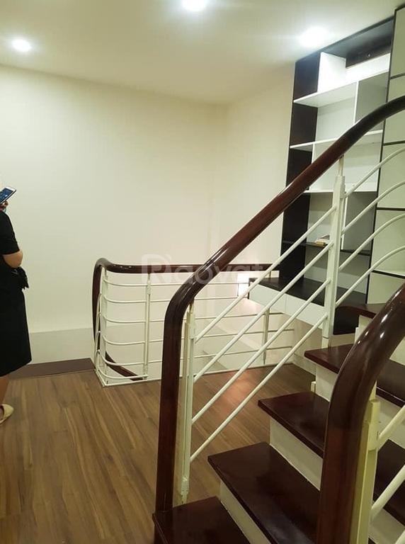 Bán nhà Trần Cung, nhà mới đẹp, 35m2, 5 tầng, ô tô đỗ cửa