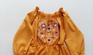 Thanh lý jumsuit trễ vai màu vàng thêu hoa