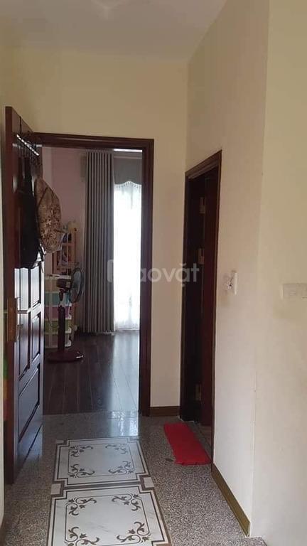 Bán nhà đẹp Ngọc Thụy, ngõ thông, 2 mặt thoáng, 40m2