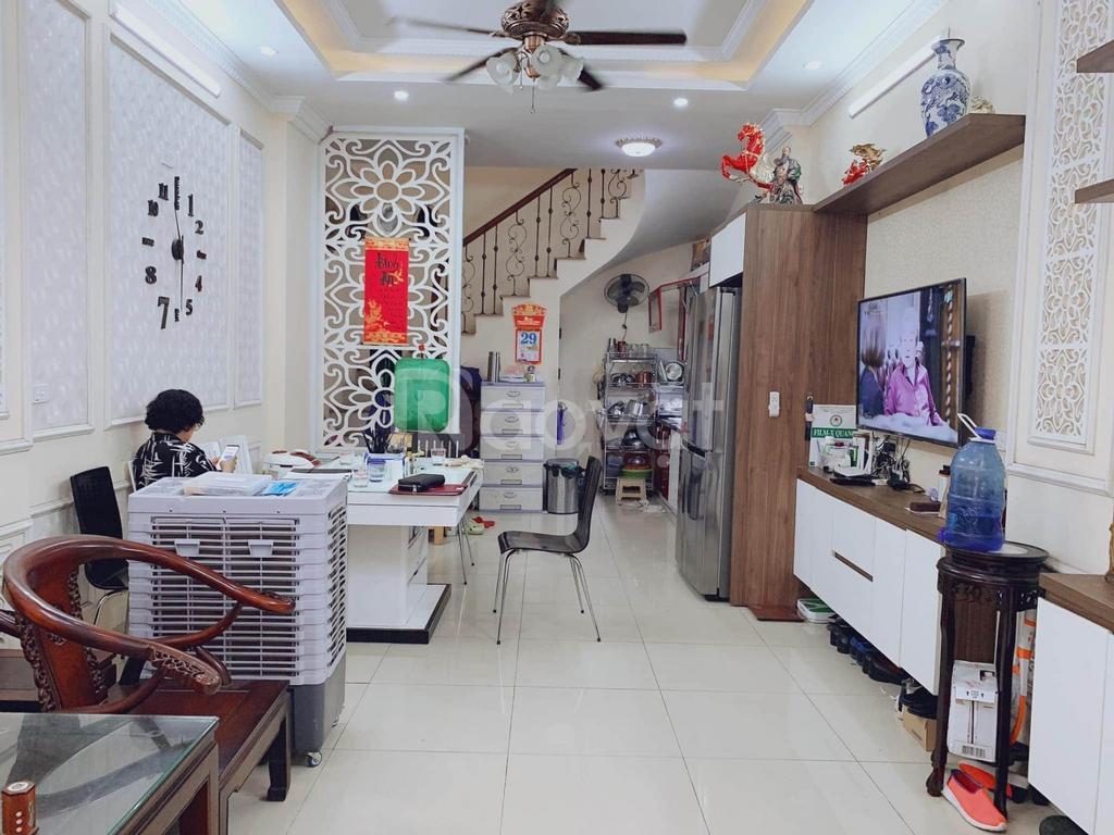 Bán nhà mới 5 tầng, ngõ rộng, đường Phú Diễn