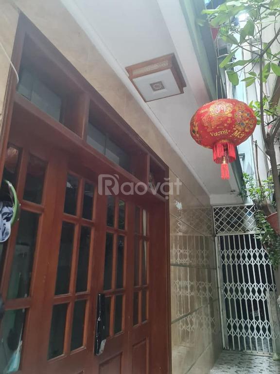 Bán nhà phố Ngọc Lâm, 76m, 4 tầng, MT 4.8m, tặng nội thất
