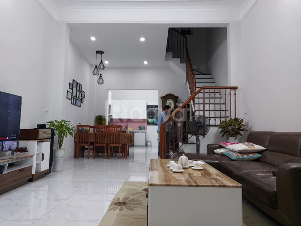 Nhà phố Nguyễn Văn Cừ, thông Phố Ngọc Lâm, ngõ rộng, vị trí đẹp