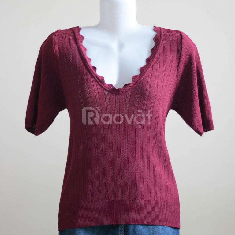 Áo len nữ màu đỏ đô