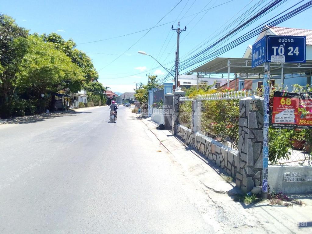 Đất Diên Lạc gần chợ, trường học
